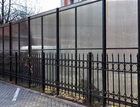 поликарбонатный забор