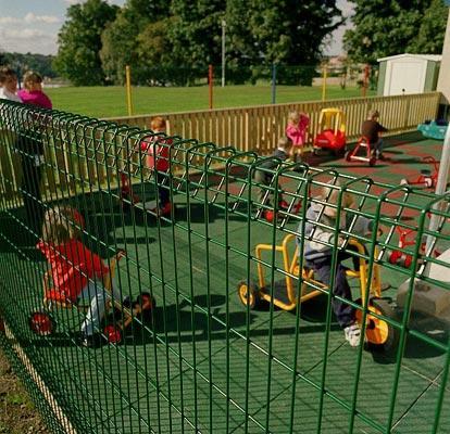 металлическая сетка для детской площадки