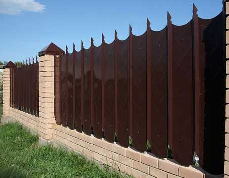 забор из силикатного кирпича