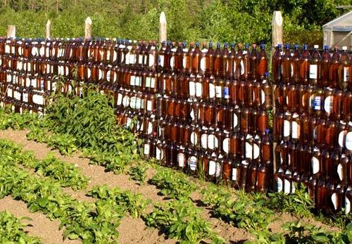ограда из бутылок