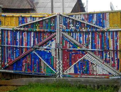 забор из крышек