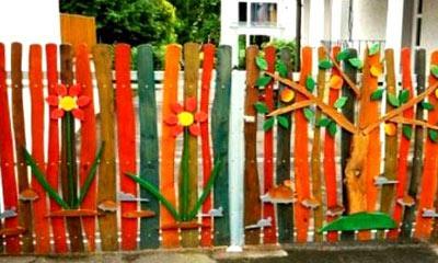 покраска деревянного штакетника