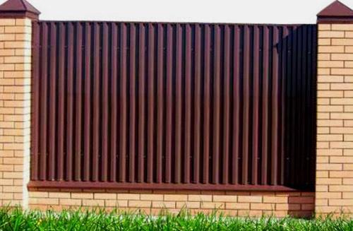 высокий забор из профнастила