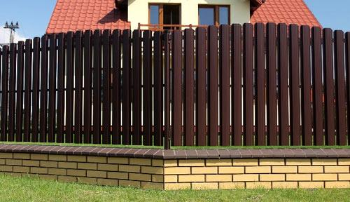 Заборы под ключ  купить забор по недорогой цене для дома