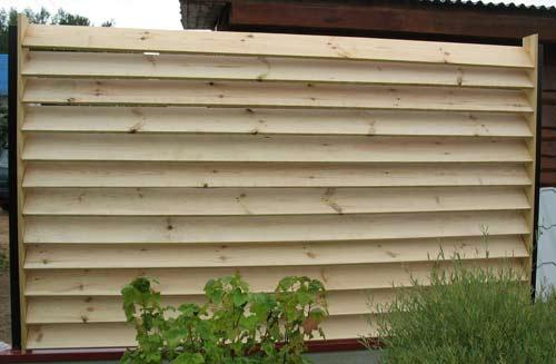 Как правильно поставить деревянный забор своими руками фото 334