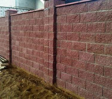забор из бессерных блоков