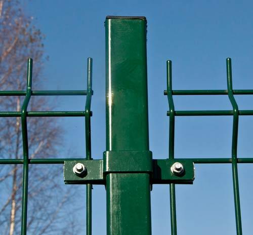 квадратный металлический столб