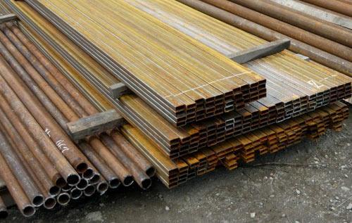 Профильные и круглые б/у трубы для заборных столбов