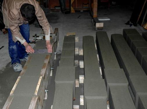 заливка столба из бетона
