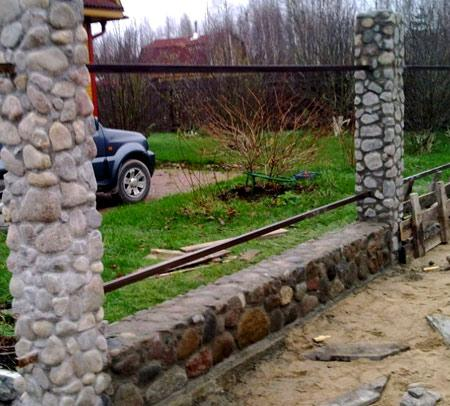 каменные столбы для забора