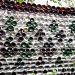 Как сделать забор из стеклянных бутылок