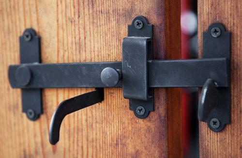 Защелка на ворота своими руками фото фото 359