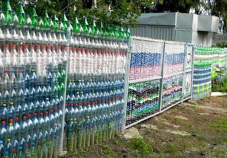 забор пластиковые бутылки