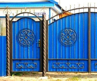 Ворота и калитки из профнастила — 70 фото и идей