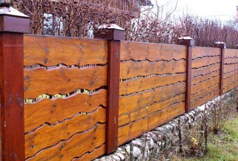 забор дерево дача