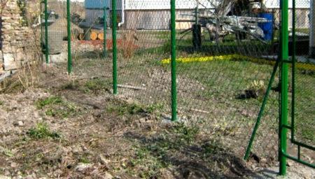 глинистая почва забор