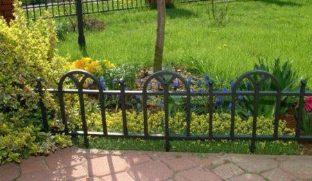 металлический заборчик